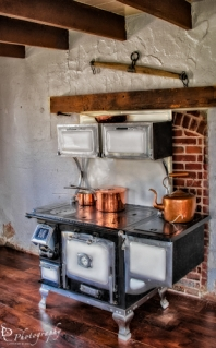 Old Fashioned Majestic Mfg. Stove