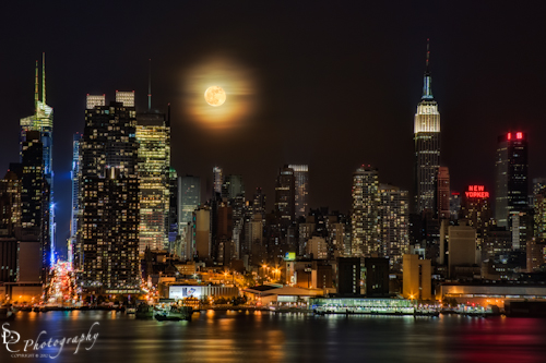 Super Moon Rises over the New York City Skyline